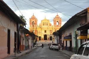 Street_in_León,_Nicaragua_4
